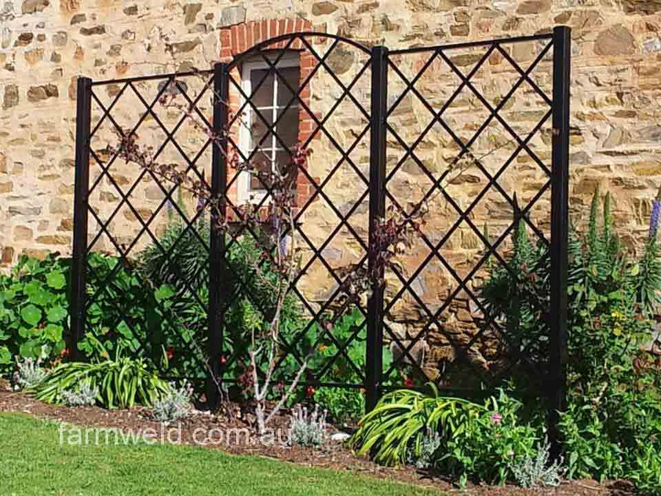 Wrought Iron Wall Trellis: Garden Arches & Rose Arbours
