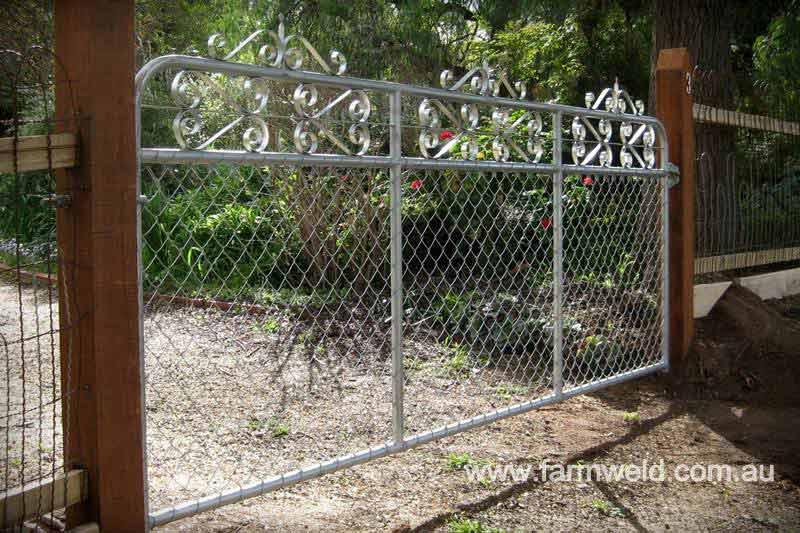 Heritage style mesh gates farmweld