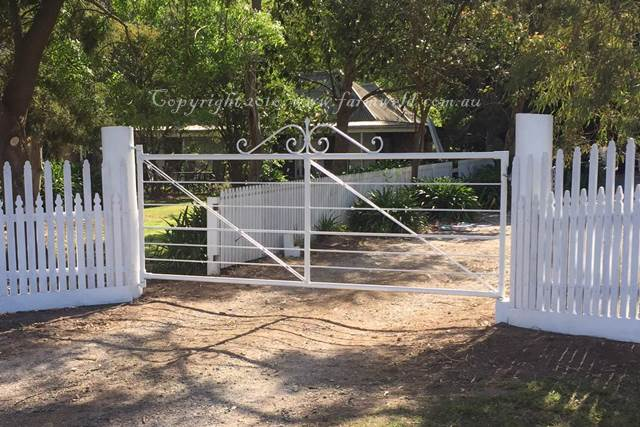 Image of heritage farm gate modeled on Daylesford's Wombat Park entrance gate