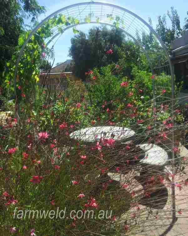 Round top garden arbour